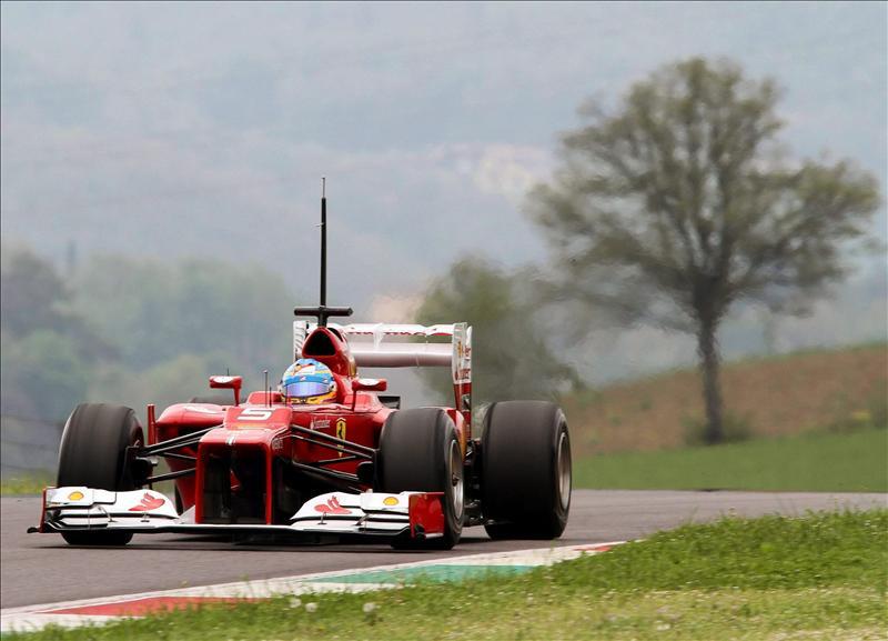 Grosjean líder en último día de ensayos en Mugello delante de Vettel y Alonso