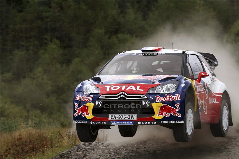 Loeb sigue líder en Francia y divisa su noveno mundial