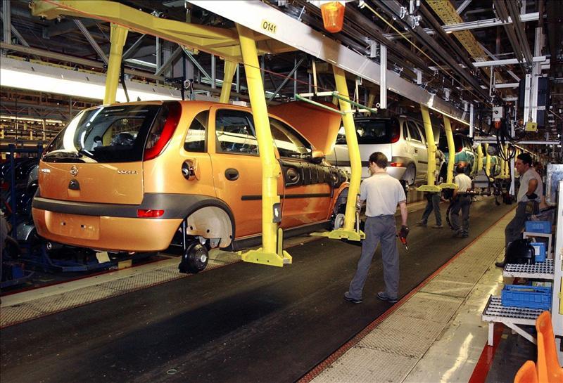 El mercado de vehículos comerciales sufre un retroceso del 30,5 por ciento en abril