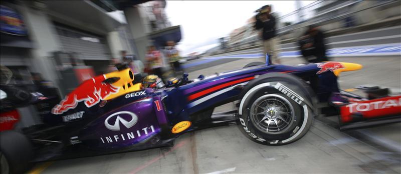 Vettel lidera los segundos entrenamientos libres y Alonso es sexto